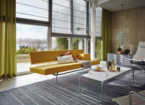 #gele #design #bank #raamdecoratie #gordijnen #rolgordijnen #design #interieur