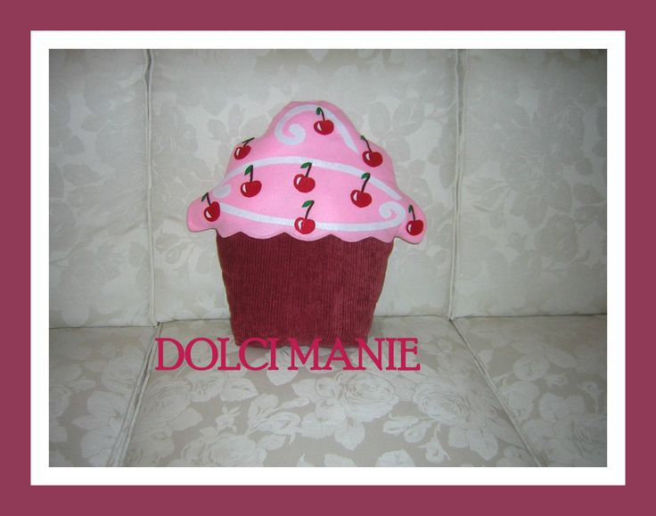 cuscino cup cake alle ciliegie