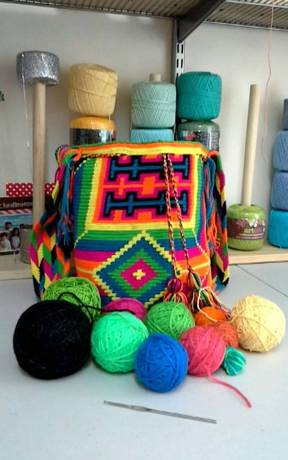 Check out this item in my Etsy shop https://www.etsy.com/listing/474494412/colombian-wayuu-mochila