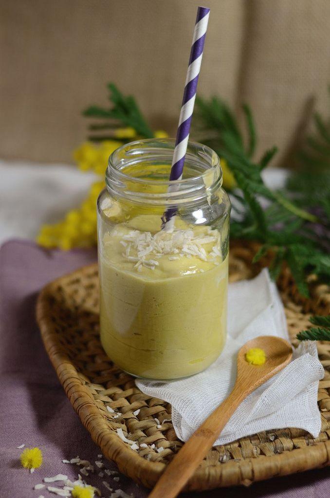 Smoothie mangue, banane et lait de coco - Tangerine Zest