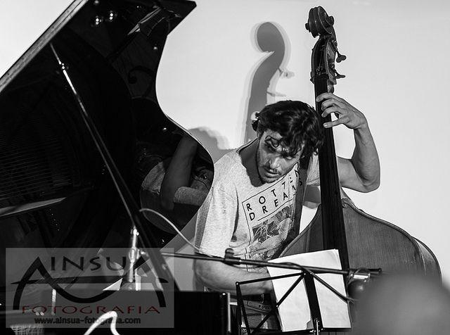 Bori Alvero. Chano Dominguez en El Candado Jazz. Al bajo (2014)