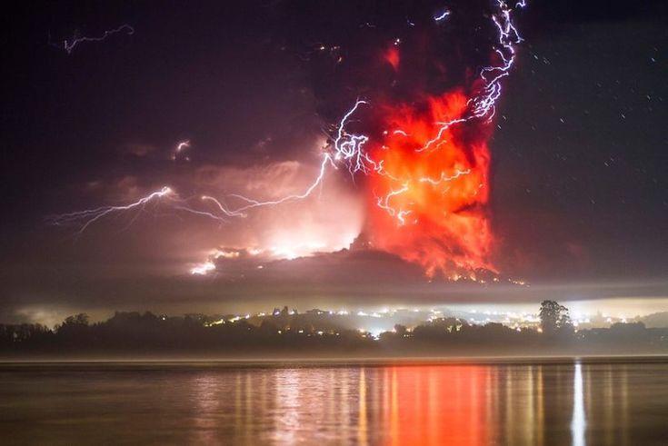 12 Videos y 40 imágenes de la erupción del Volcán Calbuco.