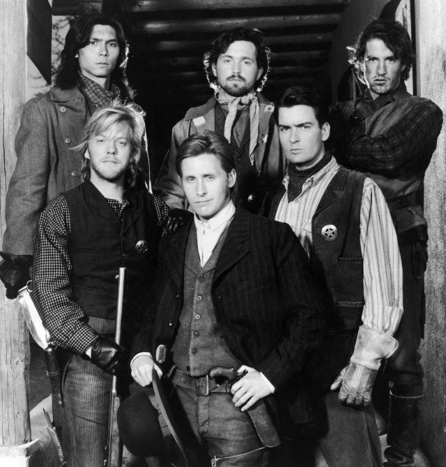 Still of Charlie Sheen, Emilio Estevez, Dermot Mulroney, Kiefer Sutherland, Lou Diamond Phillips and Casey Siemaszko in Young Guns (1988)