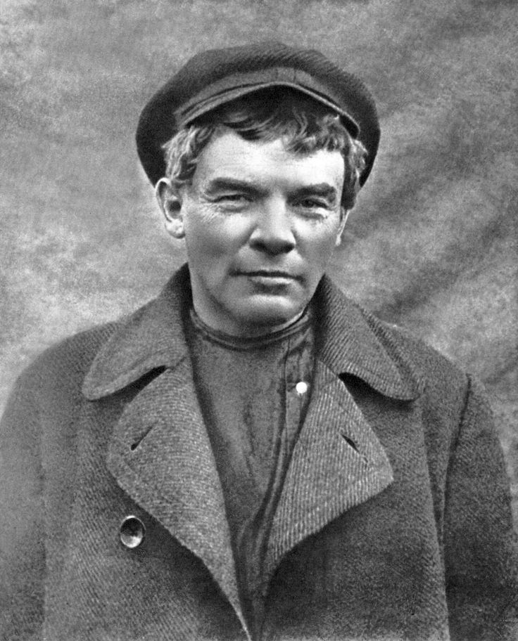 """This hat. Also - that's Lenin!? Whoa! (""""Portrait of Vladimir Lenin in disguise as factory worker K. P. Ivanov at Razliv station, August 1917. Photo by D. Leshchenko."""")"""