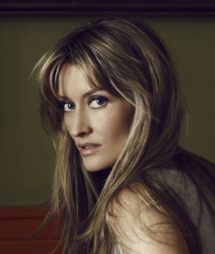 This woman is absolutely gorgeous.  I want to be her every time I watch Californication.