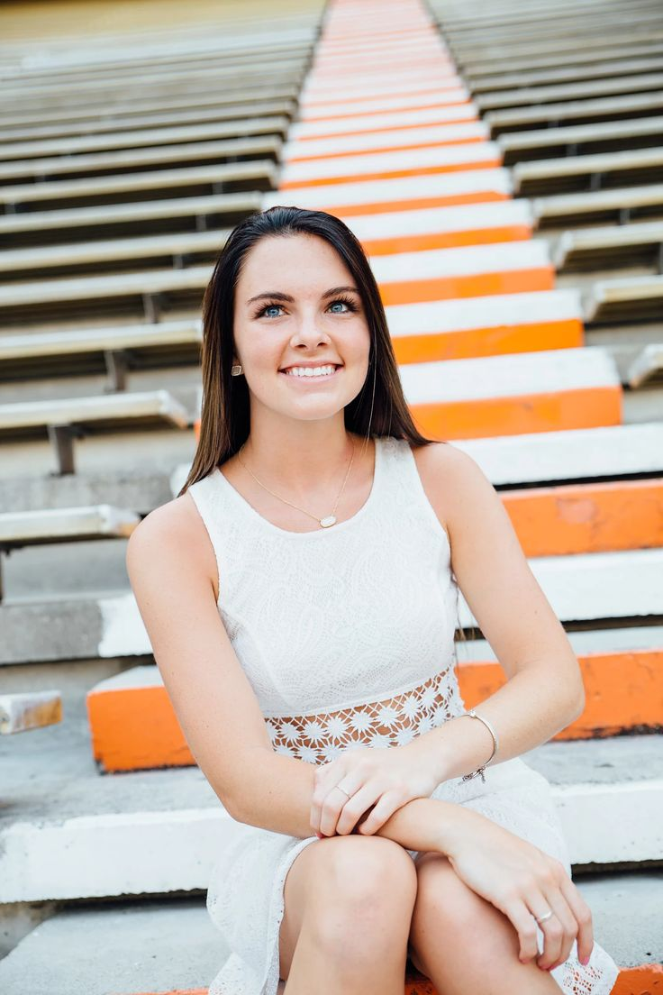 Senior Graduation Portraits | University of Tennessee | Neyland Stadium | Knoxville Portrait Photographer | Heather Hensley Photography