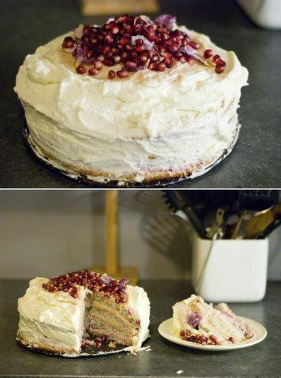 Recept: tårta med rabarber, hallon & vit choklad - Desserter, frukt & godis - Matlust iFokus