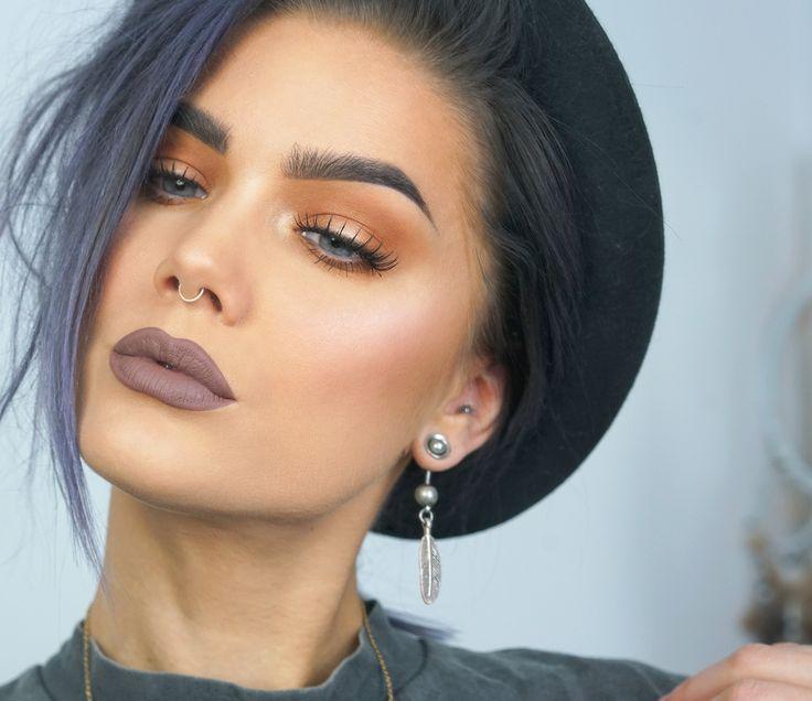 Zwicky - LH cosmetics Infinity palette, Depend Artificial Eyelashes Rebecka, NYX lip lingerie Honeymoon