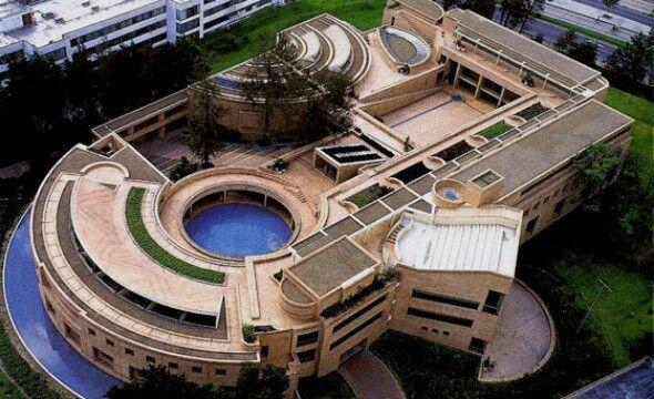 Edificio de Postgrados, Universidad Nacional, Bogota - Rogelio Salmona 2001