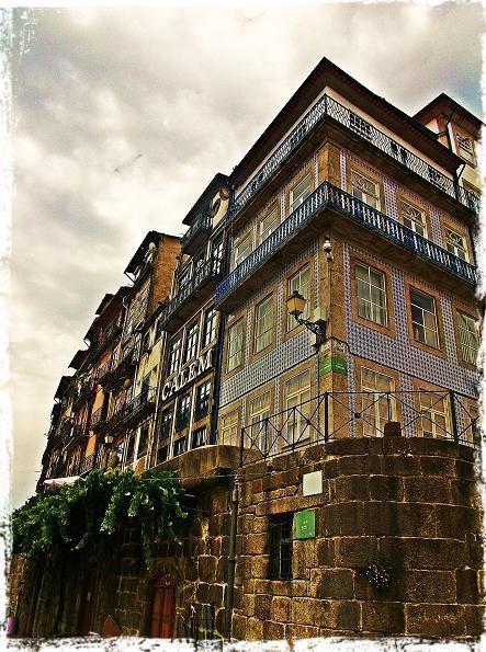 Downtown, @ Porto    Photo by Alberto de Francisco  www.facebook.com/oportocity