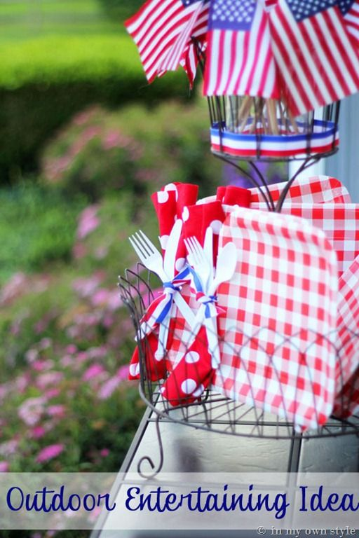 4th-of-July-Party-IdeasDecor Ideas, Cute Ideas, 4Th Of July'S Decorating Ideas, Parties Ideas, Parties Plates, Outdoor Entertainment, Entertainment Ideas, Hole Punch, Paper Plates