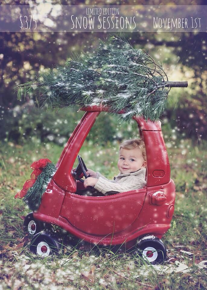 Christmas Mini Snow sessions www.sara-annephotography.com Christmas card ideas Burlington NC photographer