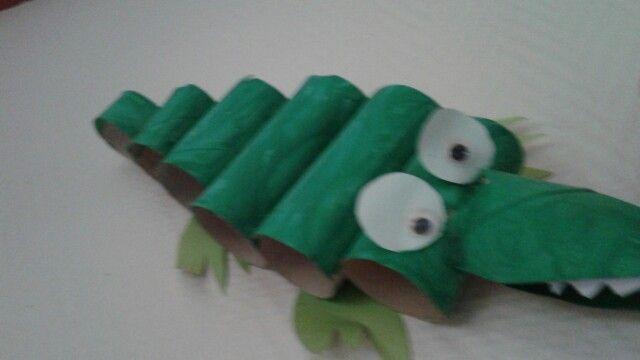 Eigen ontwerp, krokodil van wc rolletjes