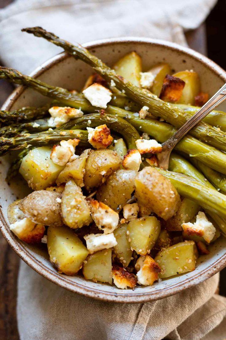 Sesamkartoffeln mit grünem Spargel und Feta. So schnell und einfach …   – KOCHKARUSSELL REZEPTE