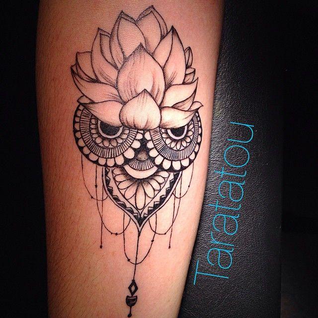 Les 25 meilleures id es de la cat gorie tatouages mandala de fleurs sur pinterest conception - Idee de tatouage ...