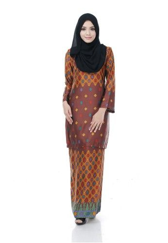 Kurung Modern Nazra (Brown) from Nur Shila in Multi and Brown Kurung Modern Nazra is the latest collections from NUR SHILA made of a very high quality, comfortable to wear, and very nice royal silk material.- Perfect tailor made.- High quality royal silk- Latest design- Suitable for all occassion ... #bajukurung #bajukurungmoden