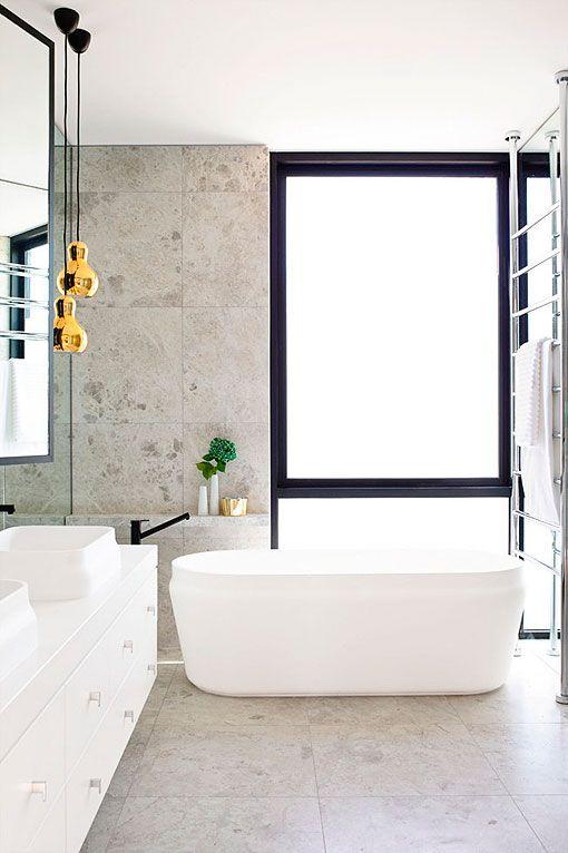 Baños Modernos Marmol:Baño moderno revestido en mármol