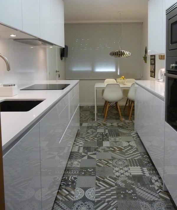 Cementine by mutina azulej lo stile moderno della cucina for Pavimento della cucina del cottage