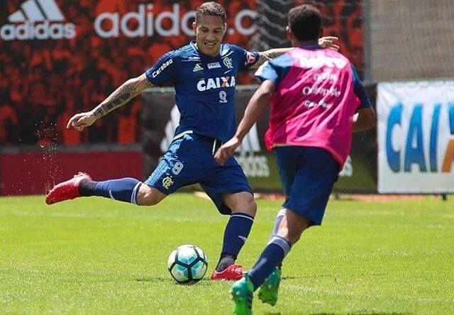 SONRÍE PERÚ! La FIFA permitió que Paolo Guerrero volviera a los entrenamientos con el Flamengo y desde hoy ya se pone a punto para afrontar el Mundial de Rusia con la selección peruana. Al delantero aún le faltan 45 días para que termine su suspensión.