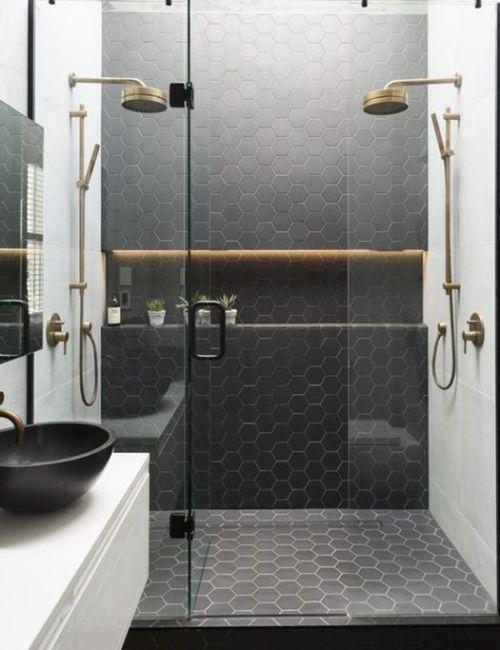 Ideas para reformar baños con plato de ducha de inspiración retro | Decomanitas