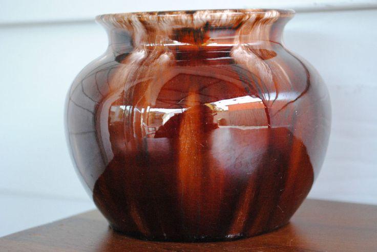 10.5cm x 9cm VINTAGE REGAL MASHMAN VASE #4 - BROWN & CREAM DRIP GLAZE