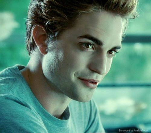 Hello.  I didn't get a chance to introduce myself, I'm Edward Cullen...and you're Bella Swan?