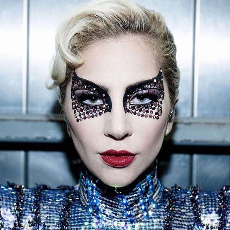 A maquiagem de Lady Gaga no Super Bowl 51 » Pausa para Feminices