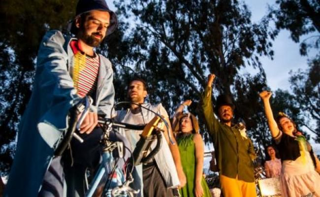 Today the 3rd and tomorrow the 4th of October, at 6.30pm an 'energy independent' scene illuminated by a bicycle generator driven by a cyclist and produces light for the show in real time!  Fougaro presents an original children's show Cycling at the streets of Lilliput town, by the group Illuminated Cyclists and soprano Myra Milolidaki.