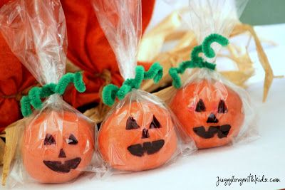 Pumpkin Spice Playdough - leave out the pumpkin spice and you have regular home made playdough