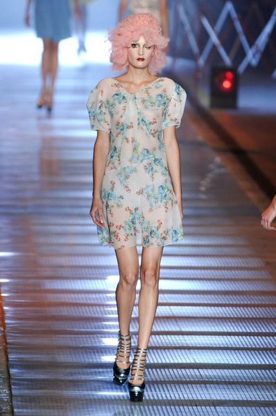 John Galliano at Paris Fashion Week Spring 2009 - Runway Photos