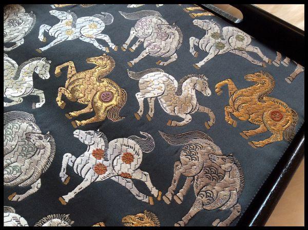 □錦縫細微織□吉祥馬文様袋帯
