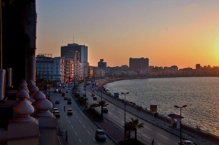 Hipnosis de mar - Paseo marítimo de Alejandría (Egipto) - David Evers (2006)