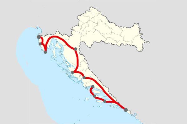 Exemple d'itinéraire que vous pourrez réaliser durant vacances en Croatie. Pour visiter une grande partie de la côte, de l'Istrie à Dubrovnik en passant par les îles et les parcs nationaux.  Itineraire Jour 1 – Arrivée en Istrie, visite de Poreč. Nuit à Medulin. Jour 2 – Visite de Pula. Nuit à Medulin. Jour 3 – Visite de Rovinj le matin, arrêt à Opatija dans l'après-midi et continuation en direction de Plitvice. Nuit à Plitvice. Jour 4 – Visite du parc national Plitvice. Nuit à P...