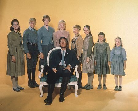 """The Sound of Music"" Charmian Carr, Nicholas Hammond, Julie Andrews, Heather Menzies, Duane Chase, Angela Cartwright, Debbie Turner, Kym Karath, Christopher Plummer 1965 20th"