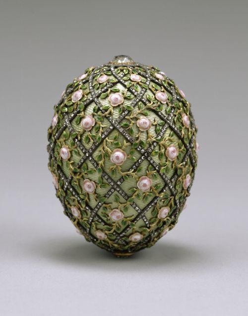 Easter 1907. Tsar Nicholas gave the Rose Trellis Egg to Tsaritsa Alexandra.