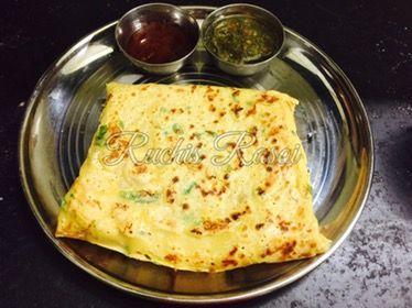 """Vegetarian Bread Omlet 😜😜😜 Hehe… Yes it is totally vegetarian…. Eggless Omlet Shudh bhasha may kahu toh """"Kuch nahi besan ka chilla hai"""" 😁😁😁 Sath may ek garam chai ki pyali ☕…"""
