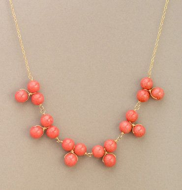 I go back and forth between loving delicate jewelry and loving bulky jewelry, but right now, i'm in a delicate phase. i need to add some coral to my collection!