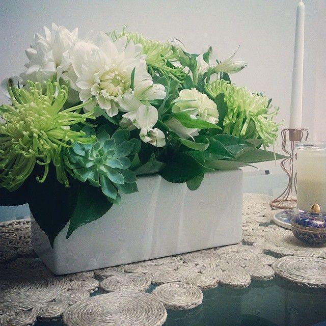 Floral table arrangement www.stellarblooms.com.au