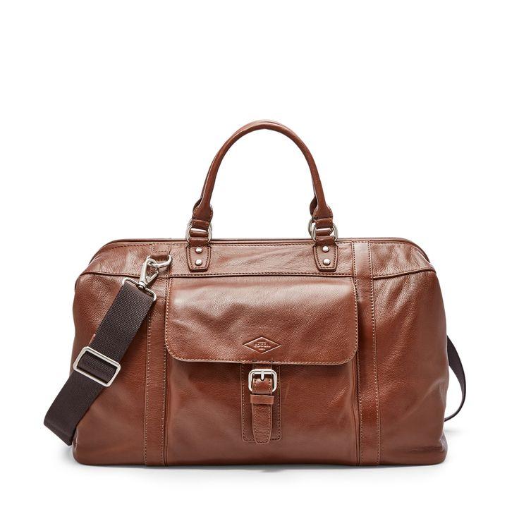 Emportez facilement toutes vos affaires dans notre sac de voyage robuste. Fabriqué en cuir de qualité, son design à la fois compact et spacieux peut accueillir toutes vos affaires les plus importantes. Tout ce dont un homme a besoin pour voyager.