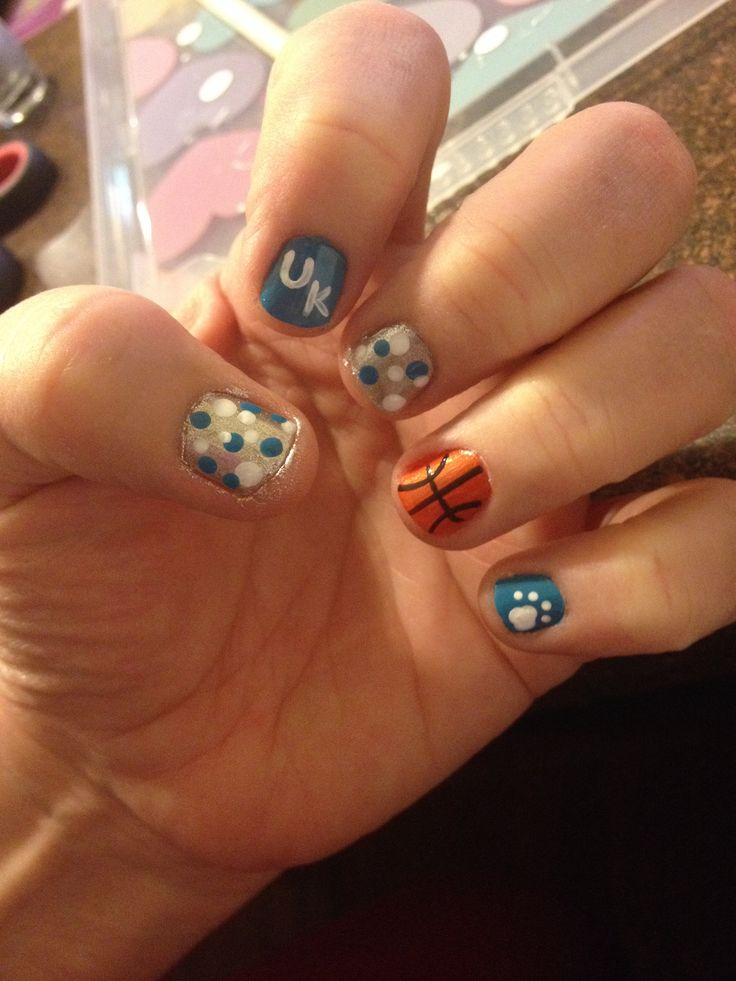 University of Kentucky basketball nail art. Basketball