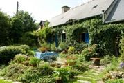 A true hidden gem oozing character! 2 bed cottage, pretty garden w some land $20… – Bring it On!