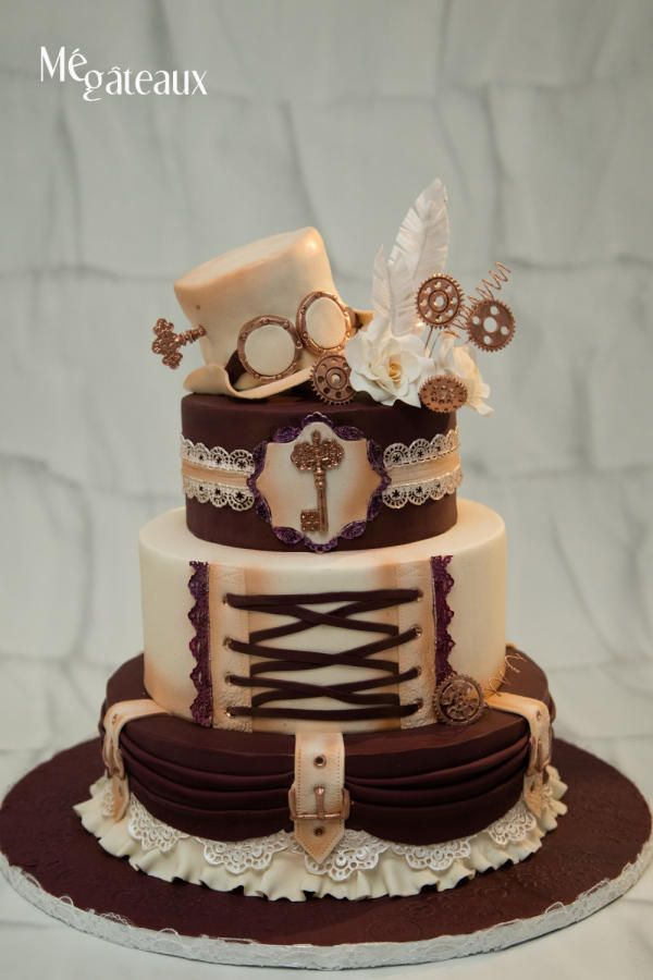 Steampunk wedding cake by Mé Gâteaux - http://cakesdecor.com/cakes/254664-steampunk-wedding-cake