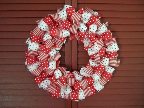 Easy To Make Christmas Ribbon Wreath