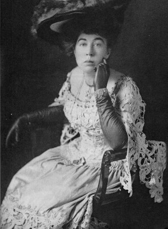 """The """"unsinkable"""" Molly Brown, who survived the Titanic tragedy. Love the hat!"""