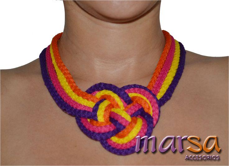 Mira aquí una idea de un collar con cordón. Collar para mujer. Obténlo ahora. Realizamos envío a toda Colombia.