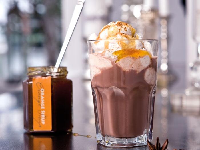 Vores chokolade drik med kanelskum og orange sirup  Se opskriften her: http://www.kjaerstrup.dk/opskrifter/chokoladedrik.asp#