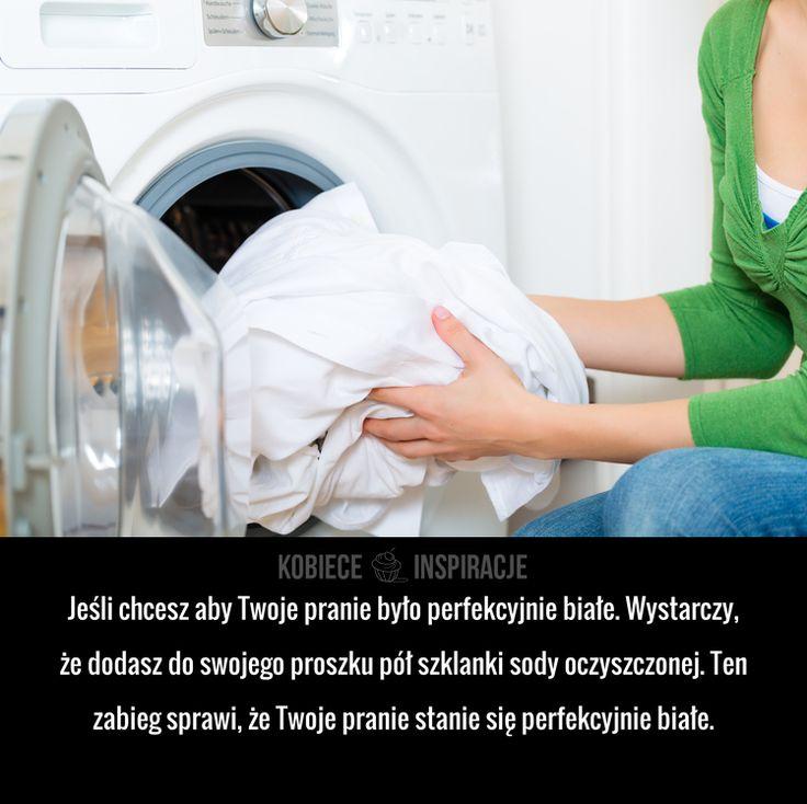 Jeśli chcesz aby Twoje pranie było perfekcyjnie białe. Wystarczy, że dodasz do swojego proszku pół szklanki sody oczyszczonej. Ten zabieg ...
