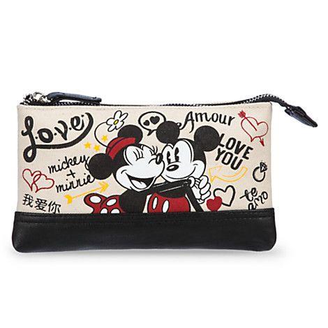US$ 14.95  - valor médio, sem frete ou impostos (sujeito à alteração sem qualquer aviso).   Mickey and Minnie Mouse Canvas Make-Up Bag - ''I Love Mickey'' Collection