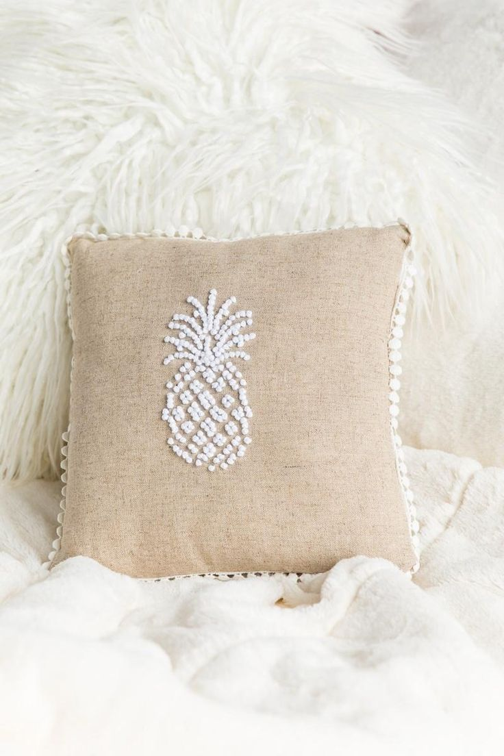 how to make a knot pillow from fleece