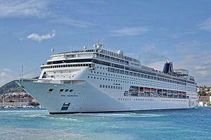 MSC Armonia. Ιδιοκτησία & Διαχείριση: MSC Cruises. 2001~2004 European Vision. 2004 ~ present, today's name. Παρθενικό ταξίδι στις 01/07/2001. 65.542GT ~ 274,90 μ.μ. ~ 32 μ.πλάτος ~ 54 μ.ύψος ~ 9 κατ/τα ~ 21,1knots ~ 1.554~2.679 επ. ~ 721 α.πλ.